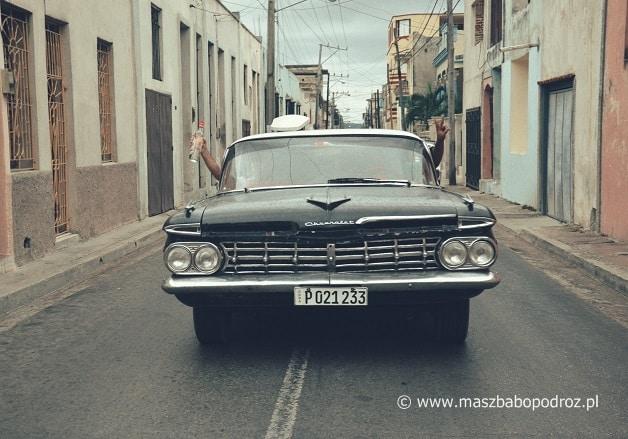 Drogi na Kubie.