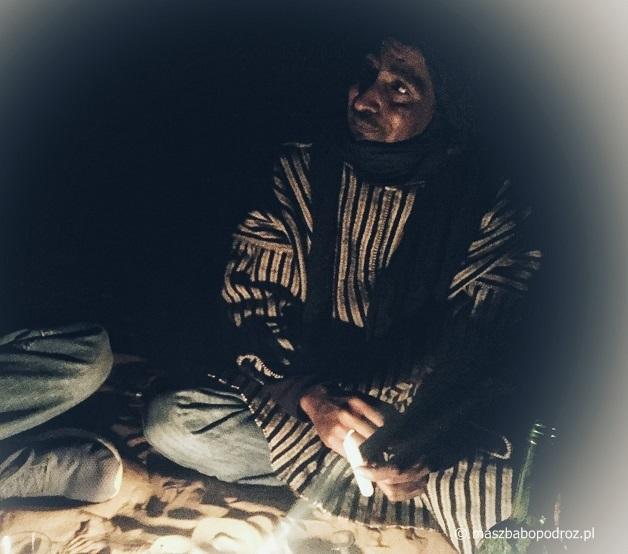 Noc na pustyni. Maroko.